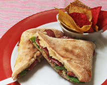 Sándwich de carpaccio