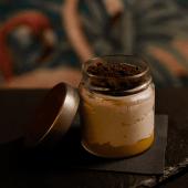 Tarro  de queso, mango y tierra de Oreo