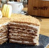 Торт Медовик (100г)