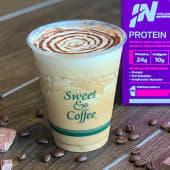 Moca power latte frío (12 oz.)