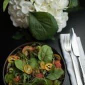 Зелений салат із креветками