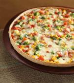 Pizza de vegetales frescos