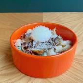 Тортільоні з грибами з печі, яйцем пашот і пармезаном (330г)