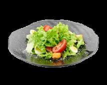Салат с тонкацу курицей под сырным соусом (210 г)