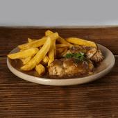 Pollo guisado a la cerveza con las fritas