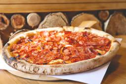 Pizza Quattro Carni Piccante pork