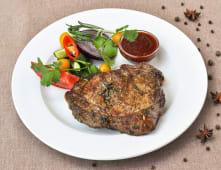 Стейк із фермерської яловичини з соусом BBQ (300г)