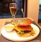 Veggie burger w/ fries