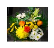 Ramo flor variada con rosas (foto orientativa)