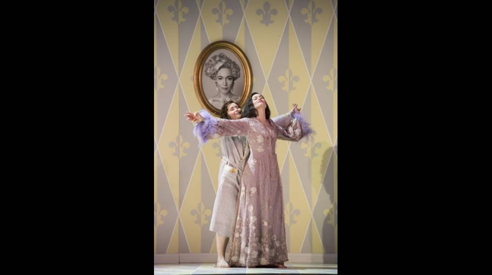 Der Rosenkavalier, Glyndebourne Festival 2014. Octavian (Tara Erraught) and the Marschallin (Kate Royal).