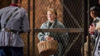 Carmen, Glyndebourne Festival 2015. Micaëla (Lucy Crowe).