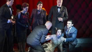 Venera Gimadieva as Violetta and cast in La traviata, Glyndebourne Festival 2014