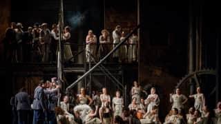 Carmen, Glyndebourne Festival 2015. Glyndebourne Chorus