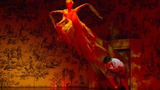 Glyndebourne Festival 2015, L'enfant et les sortilèges.  Fire (Sabine Devieilhe) and Child (Danielle de Niese). Photographer: Richard Hubert Smith