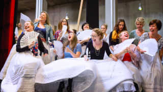 Glyndebourne Chorus. Photographer James Bellorini