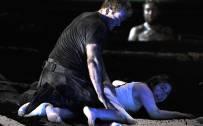 The Rape of Lucretia, Glyndebourne Festival 2015. Tarquinius (Duncan Rock) and Lucretia (Christine Rice). Photographer: Robbie Jack
