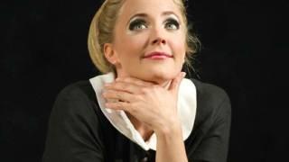 Susanna (Lydia Teuscher), Le nozze di Figaro 2012.