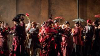 Carmen, Glyndebourne Festival 2015. Glyndebourne Chorus.