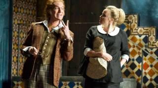 Don Basilio (Alan Oke) and Susanna (Lydia Teuscher), Le nozze di Figaro 2012.