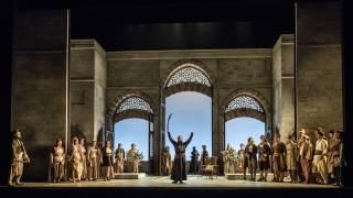 Glyndebourne Tour 2015, Die Entführung aus dem Serail. Glyndebourne Chorus and centre, Pasha Selim (Franck Saurel). Photographer: Clive Barda