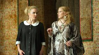 Susanna (Lydia Teuscher) and Countess (Sally Matthews), Le nozze di Figaro 2012.