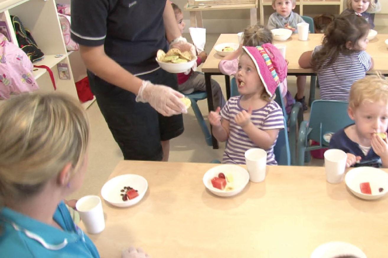Children's health and safety: Safe food handling