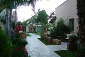 Danaides Apartments,