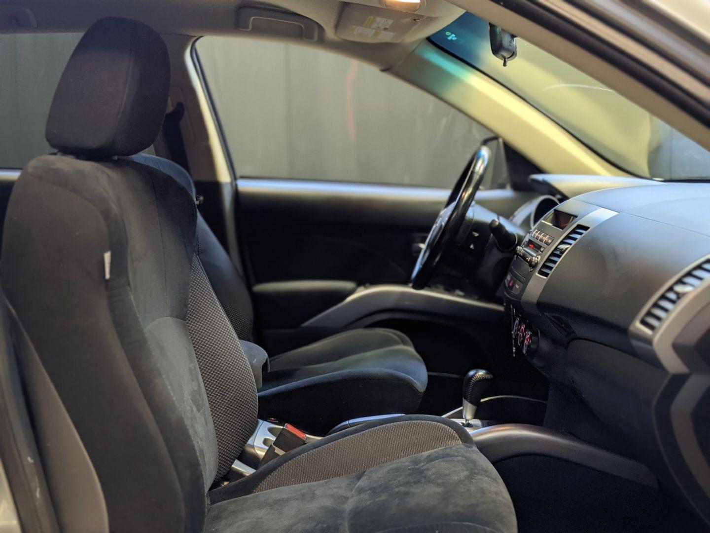 2013 Mitsubishi Outlander ES for sale in Calgary, Alberta