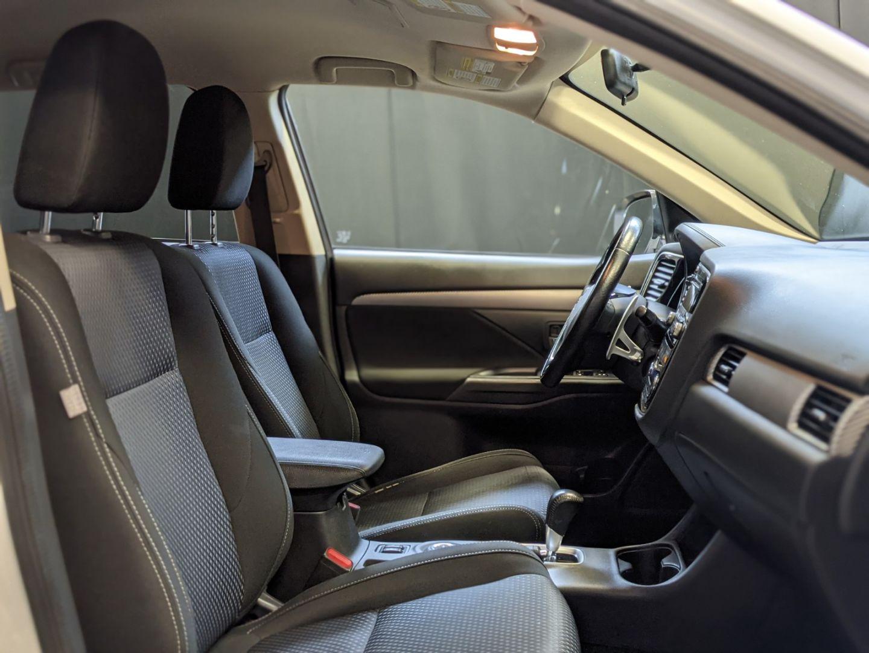 2016 Mitsubishi Outlander SE for sale in Calgary, Alberta