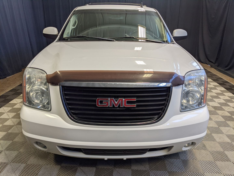 2011 GMC Yukon SLT w/1SD for sale in Calgary, Alberta