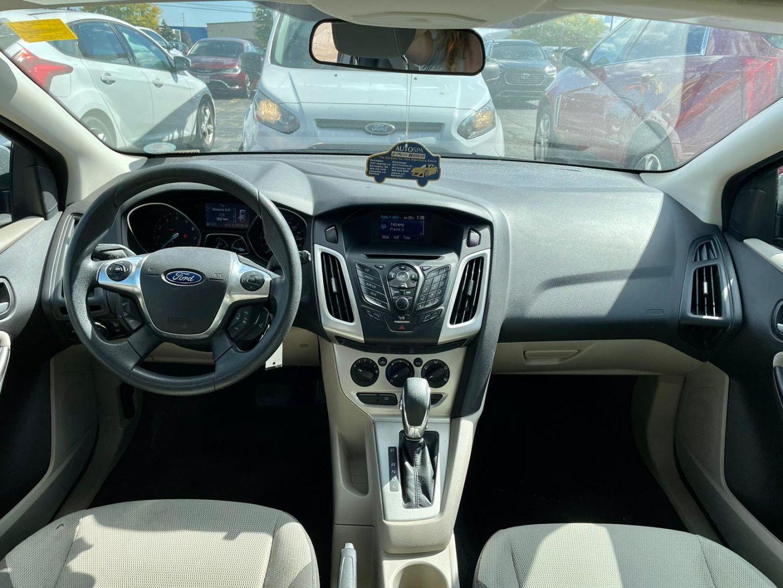 2012 Ford Focus SE for sale in Burlington, Ontario