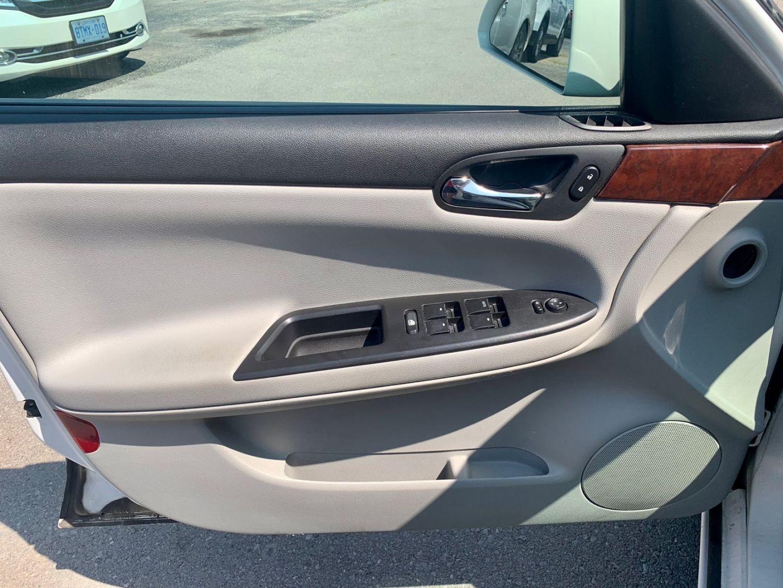 2006 Chevrolet Impala LTZ for sale in Burlington, Ontario