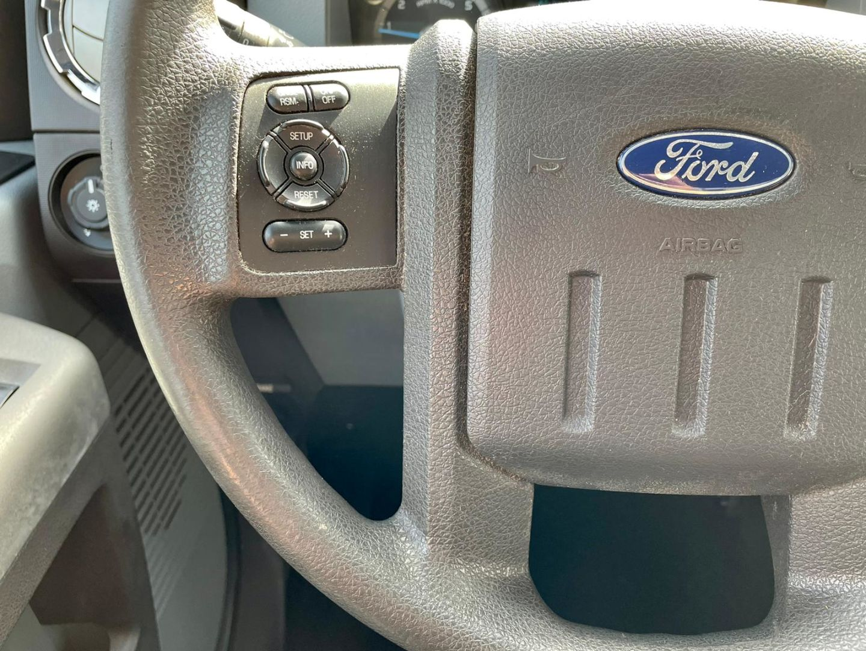 2012 Ford Super Duty F-250 SRW XL for sale in Burlington, Ontario