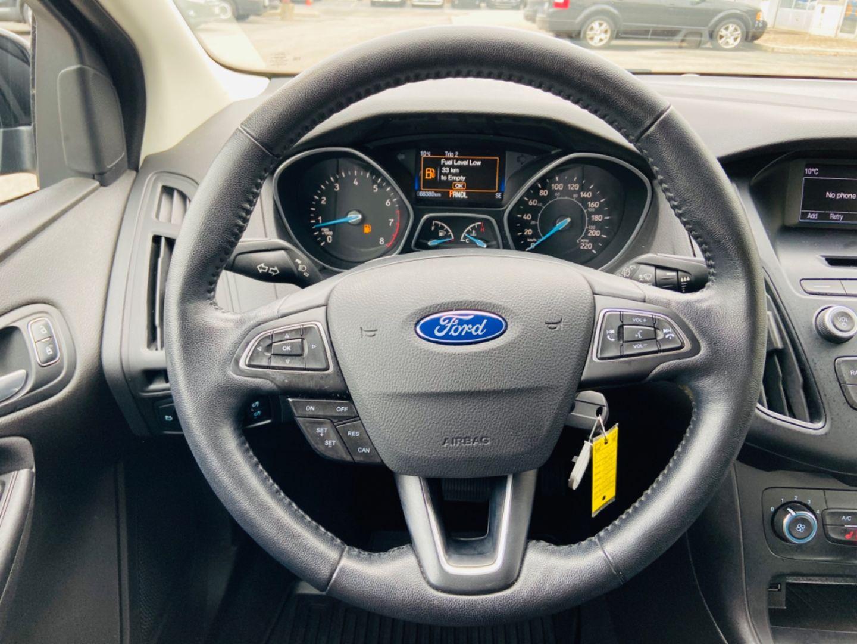 2016 Ford Focus SE for sale in Burlington, Ontario