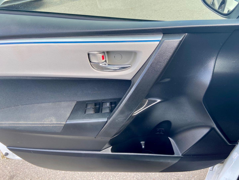 2014 Toyota Corolla LE for sale in Burlington, Ontario