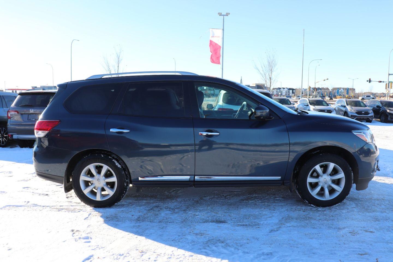 2015 Nissan Pathfinder SL for sale in St. Albert, Alberta