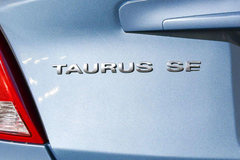 2007 Ford Taurus SE for sale in Red Deer, Alberta