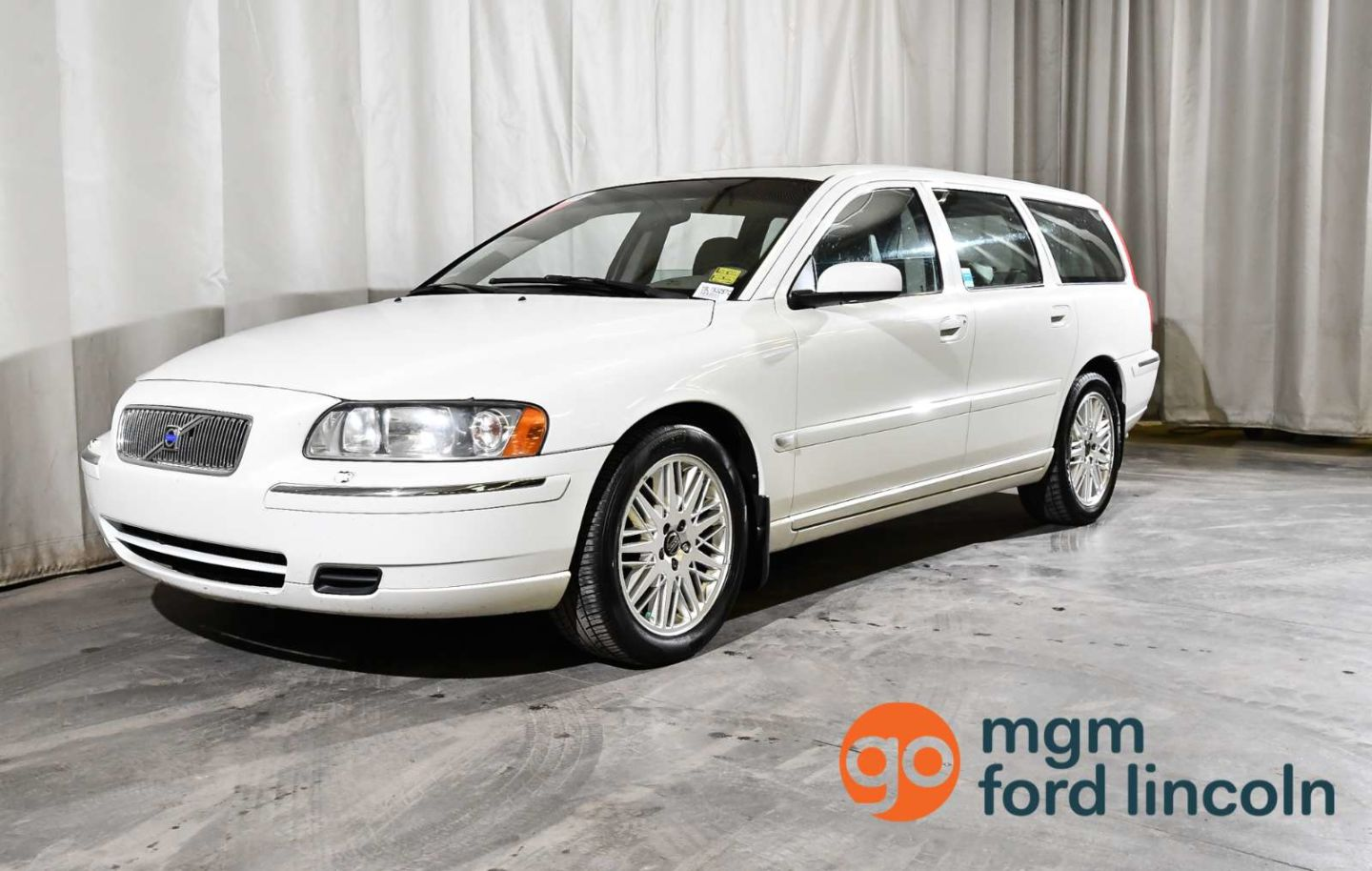 2005 Volvo V70 2.4L for sale in Red Deer, Alberta