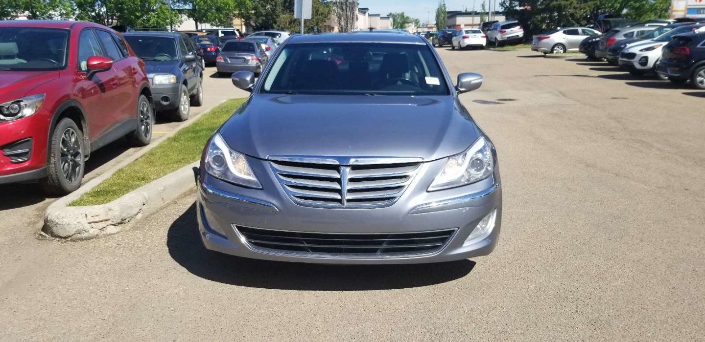 2014 Hyundai Genesis 3.8L for sale in Edmonton, Alberta