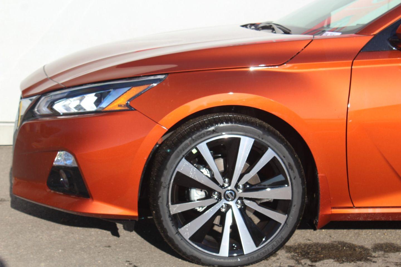 2020 Nissan Altima 2.5 Platinum for sale in Edmonton, Alberta