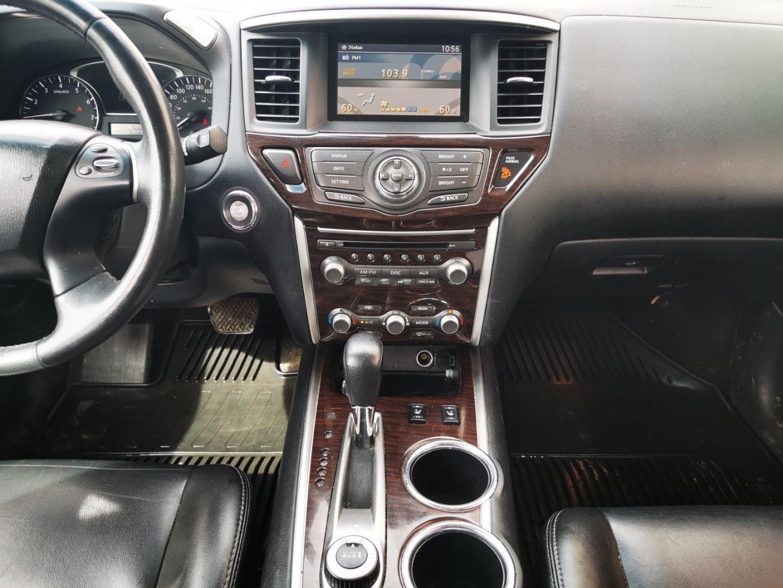 2014 Nissan Pathfinder SL for sale in Edmonton, Alberta