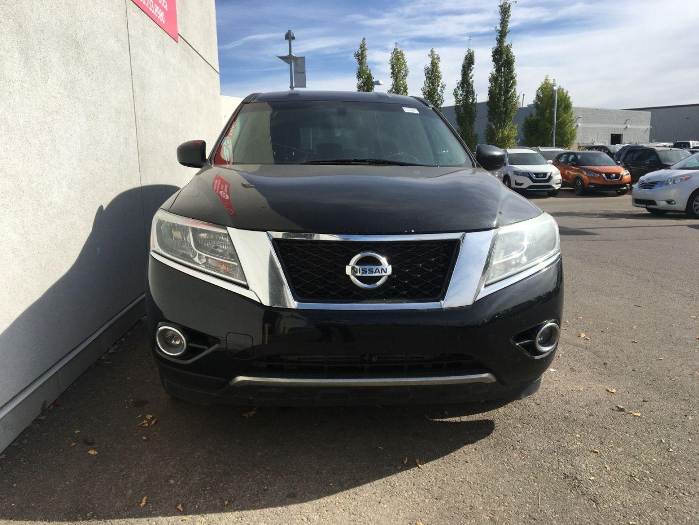 2013 Nissan Pathfinder S for sale in Edmonton, Alberta