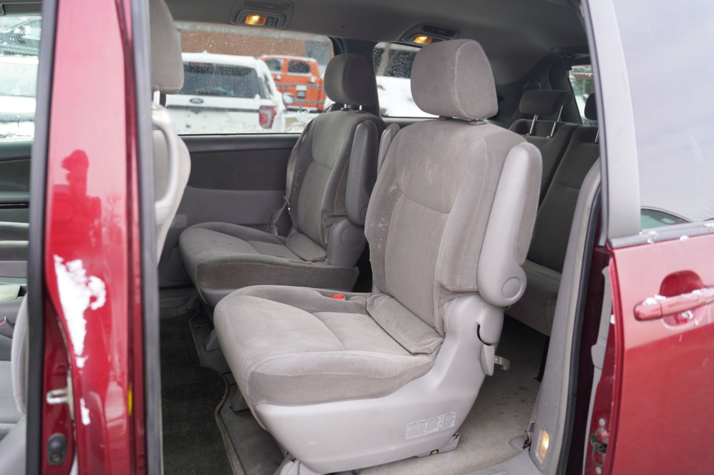2004 Toyota Sienna LE for sale in Mississauga, Ontario