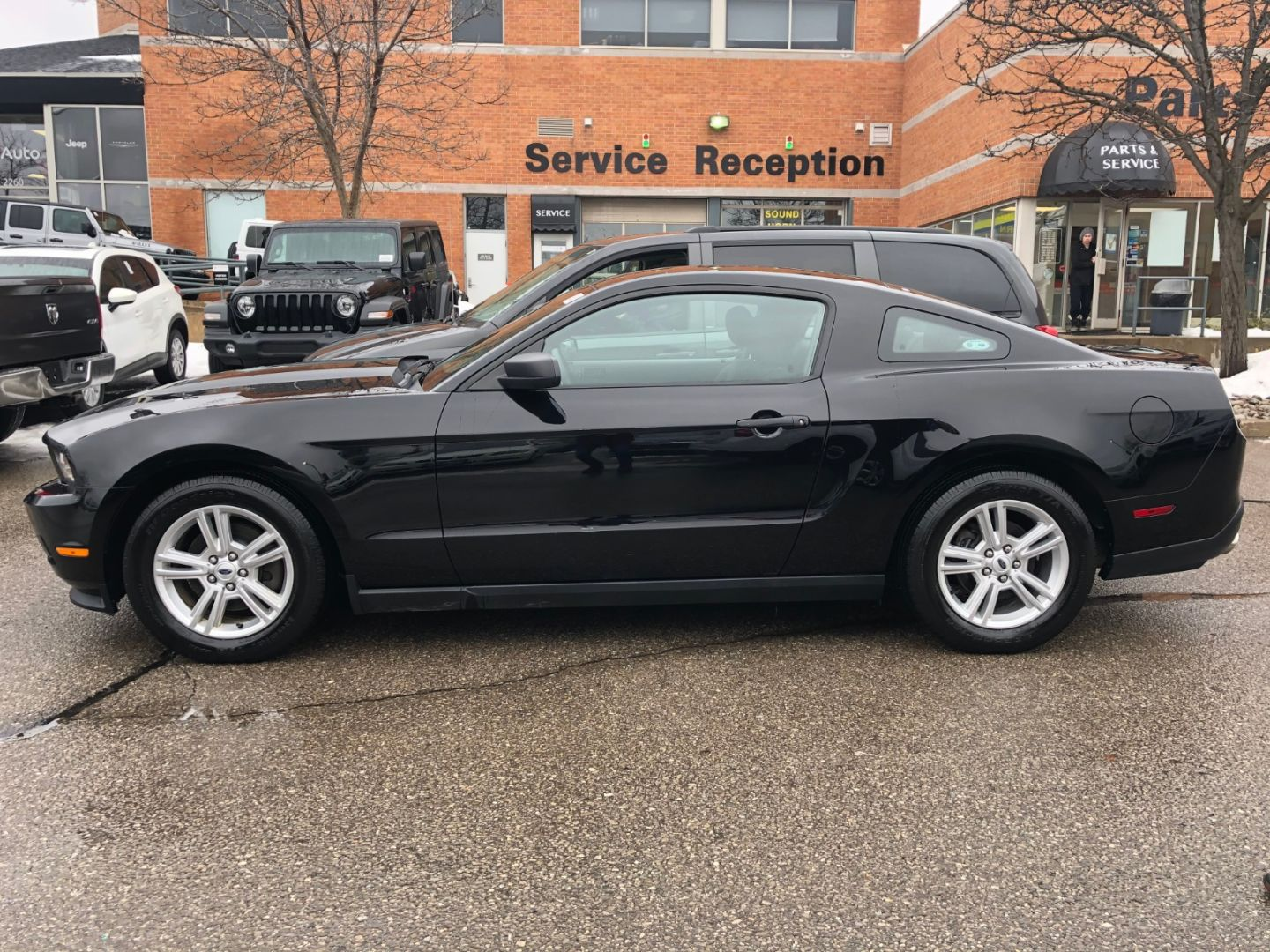 2012 Ford Mustang V6 for sale in Mississauga, Ontario