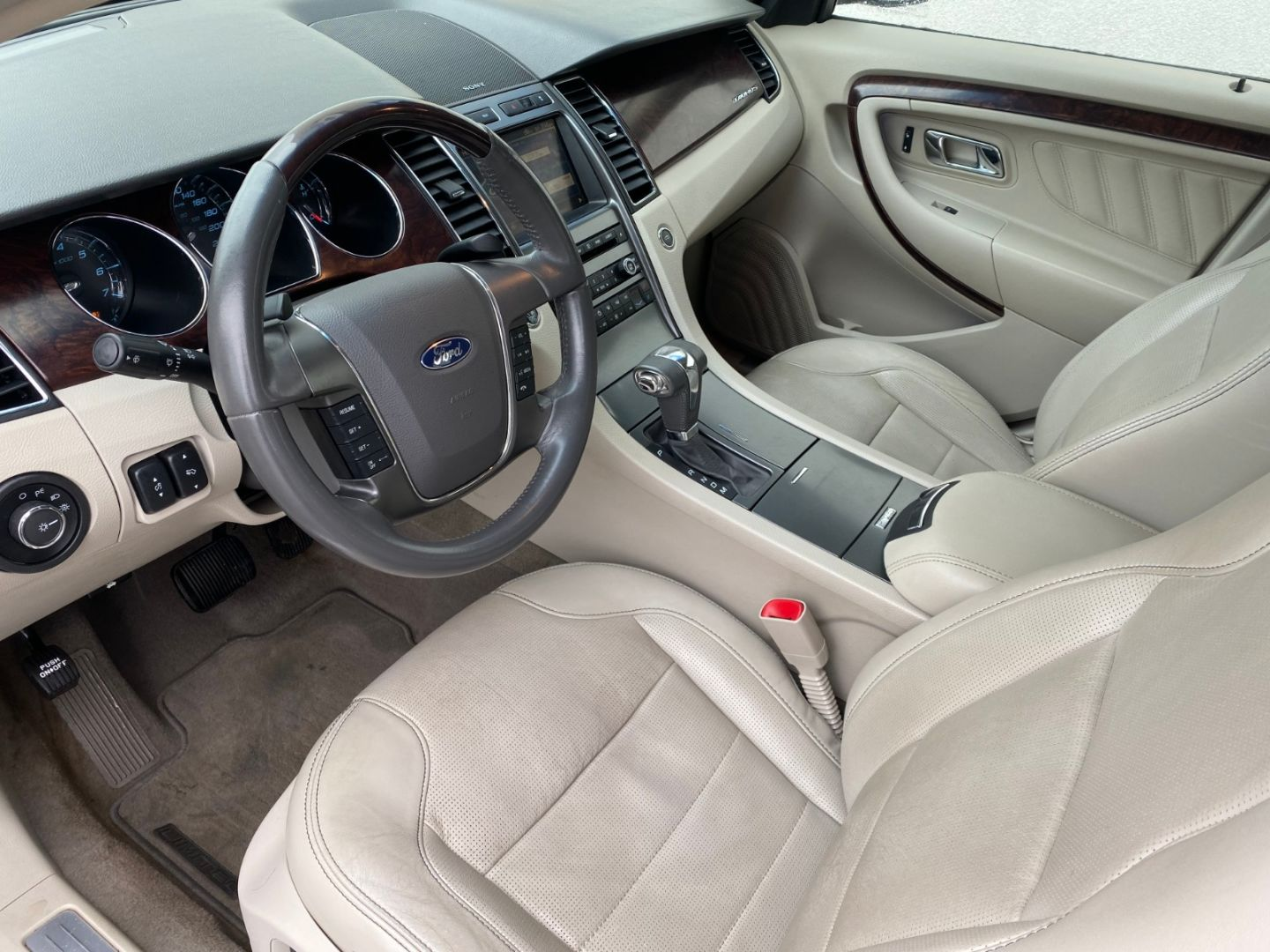 2010 Ford Taurus Limited for sale in Edmonton, Alberta