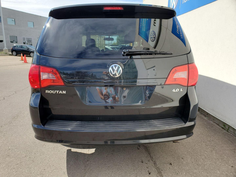 2010 Volkswagen Routan Highline for sale in Edmonton, Alberta