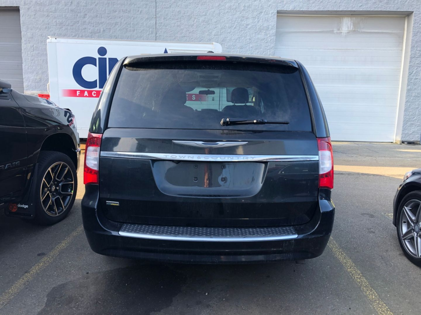 2013 Chrysler Town & Country Touring-L for sale in Surrey, British Columbia