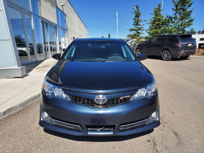 2014 Toyota Camry SE for sale in Edmonton, Alberta