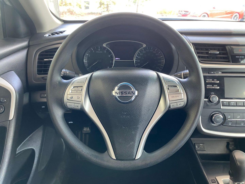 2017 Nissan Altima 2.5 SV for sale in Edmonton, Alberta