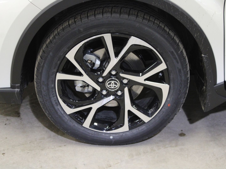 2021 Toyota C-HR XLE Premium for sale in Edmonton, Alberta